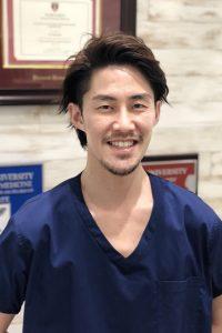 湘南平塚ファースト歯科 院長 岡本 駿吾